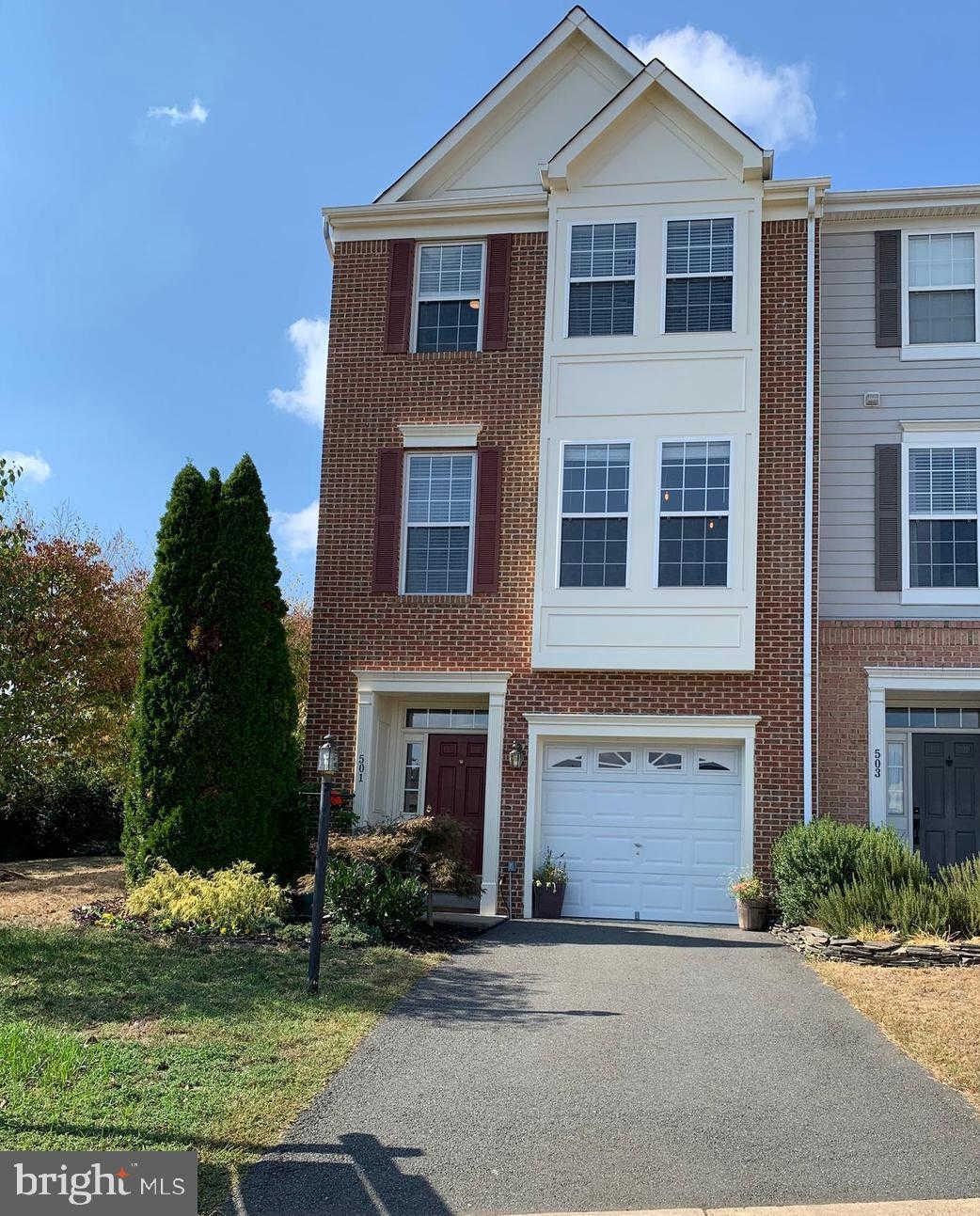 501 Planters Terrace NE, Leesburg, VA 20176 now has a new price of $429,500!