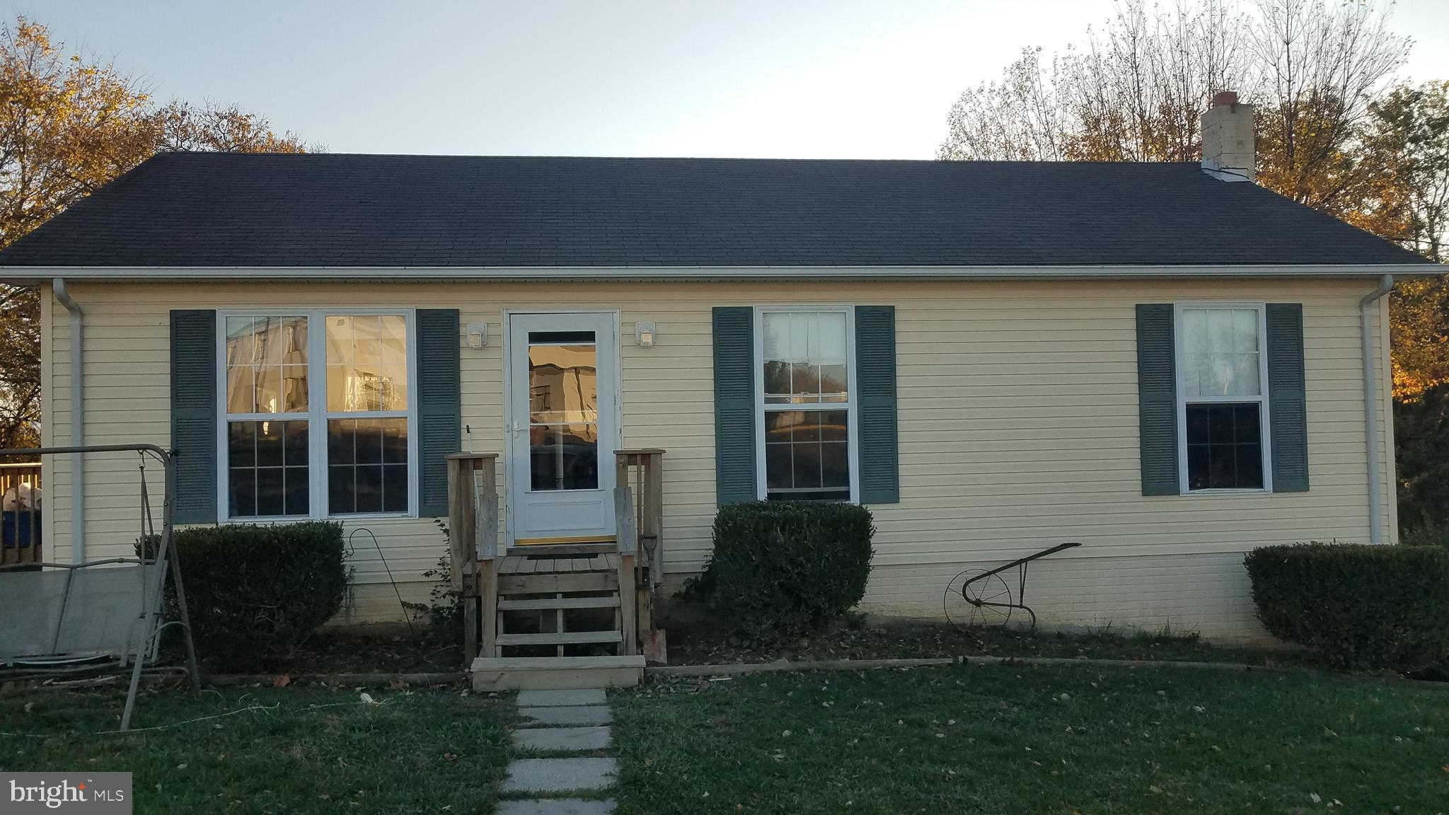 1333 Monroe Avenue, Front Royal, VA 22630 is now new to the market!