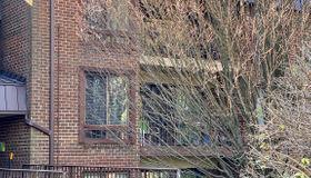 132 Roberts Lane #201, Alexandria, VA 22314