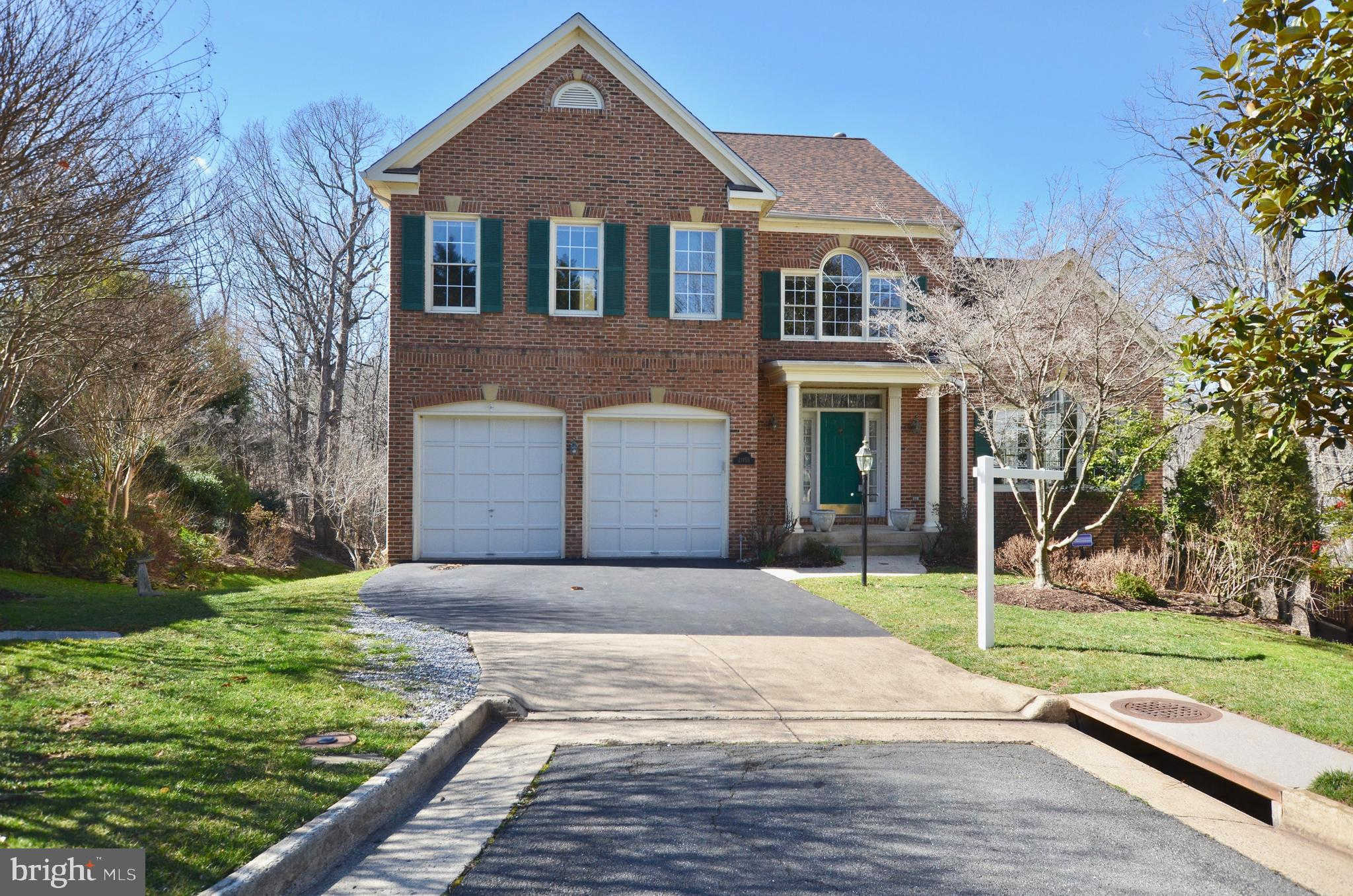 21155 Brookside Lane, Sterling, VA 20165 is now new to the market!