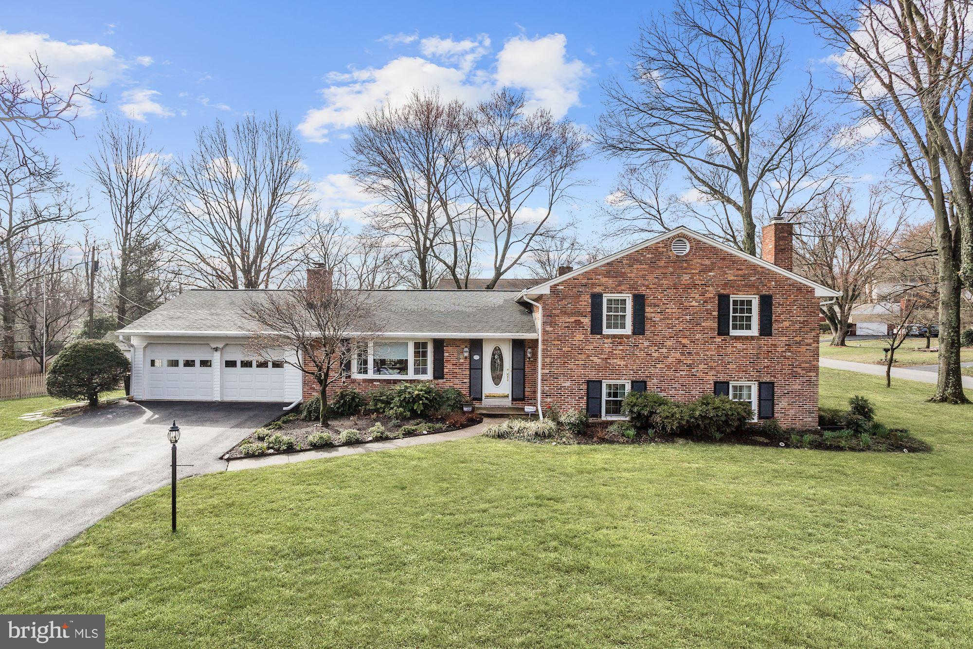 6293 Amherst Avenue, Columbia, MD 21046 is now new to the market!