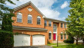 687 Holly Crest Dr, Culpeper, VA 22701