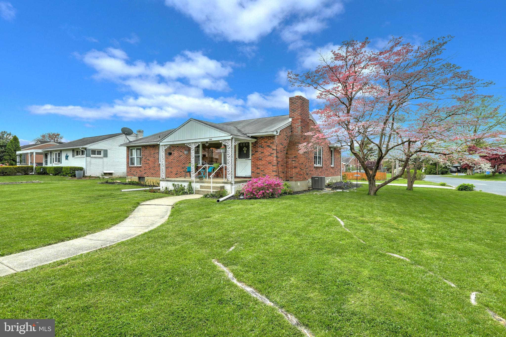 Video Tour  - 700 S Russell Street, York, PA 17402