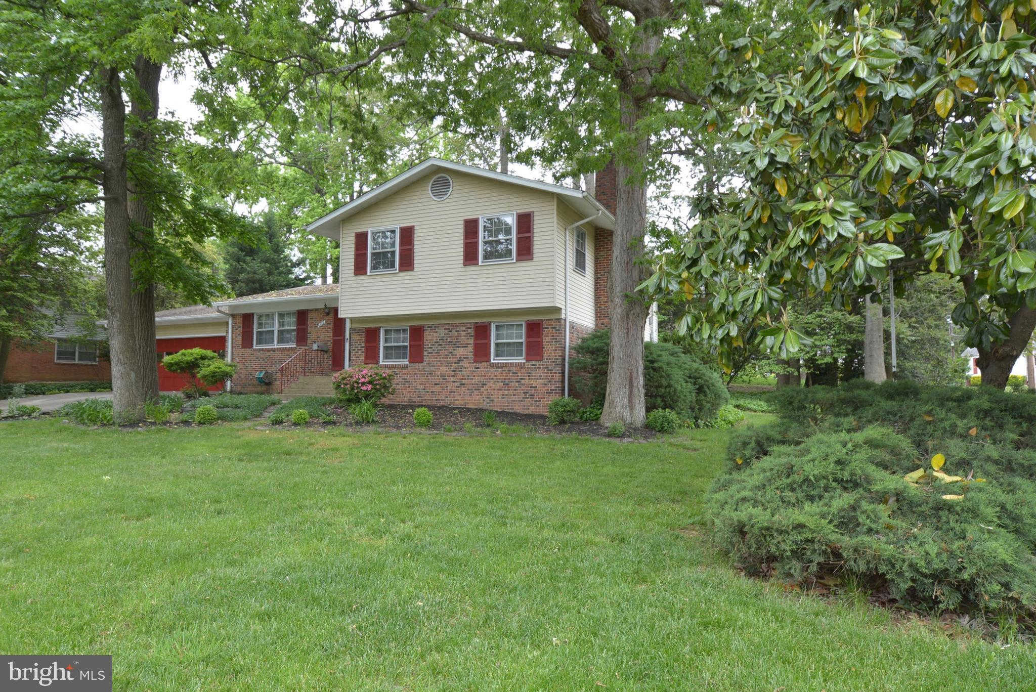 Video Tour  - 6100 Thomas Drive, Springfield, VA 22150