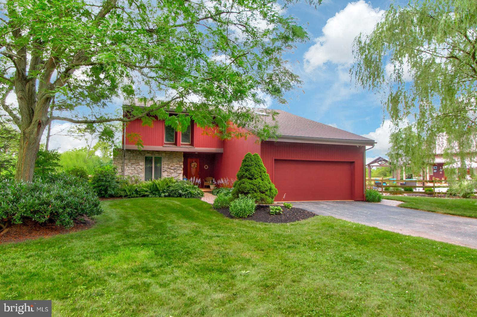102 Country Walk Drive, Wrightsville, PA 17368 is now new to the market!