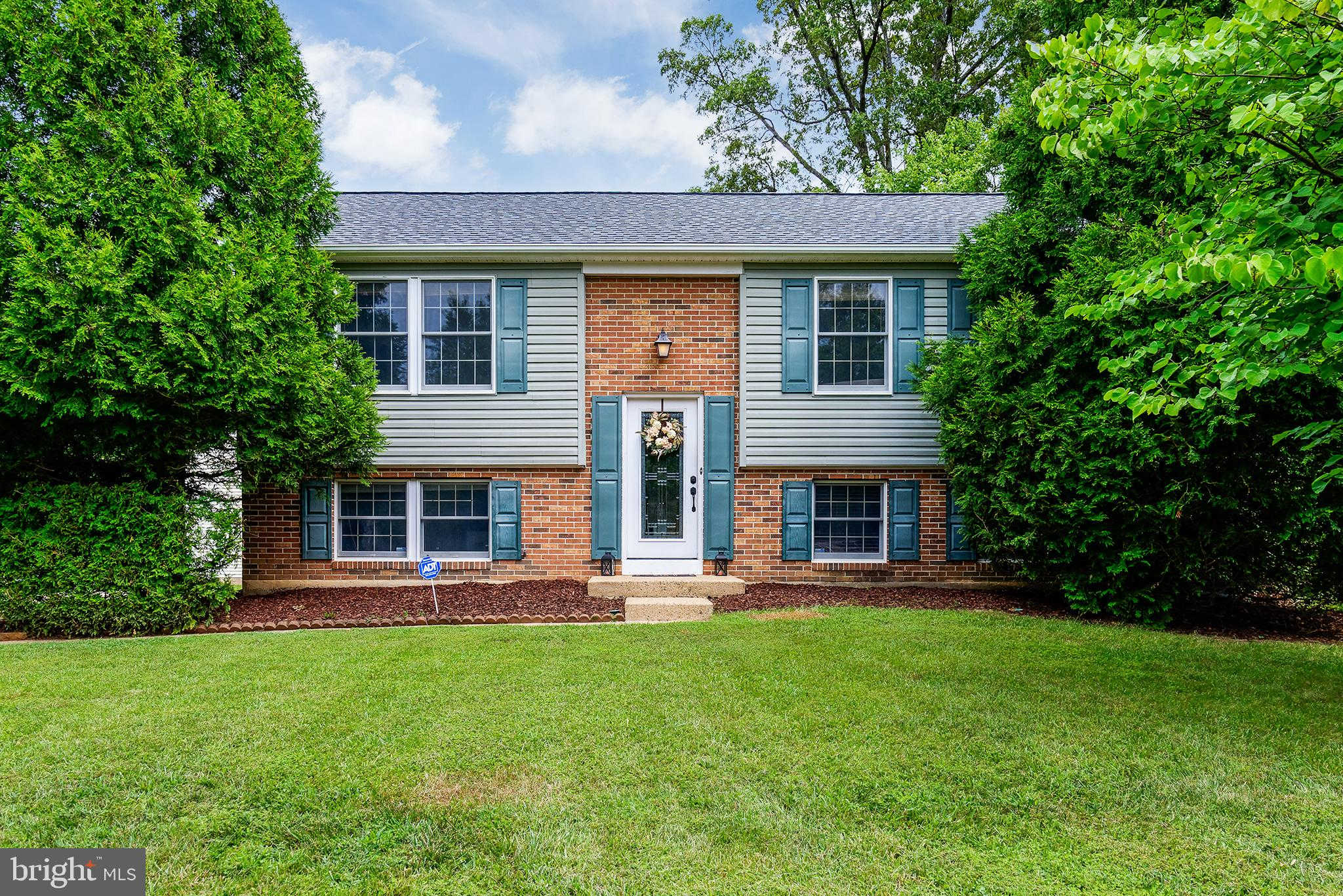 Video Tour  - 102 Red Oak Lane, Sterling, VA 20164