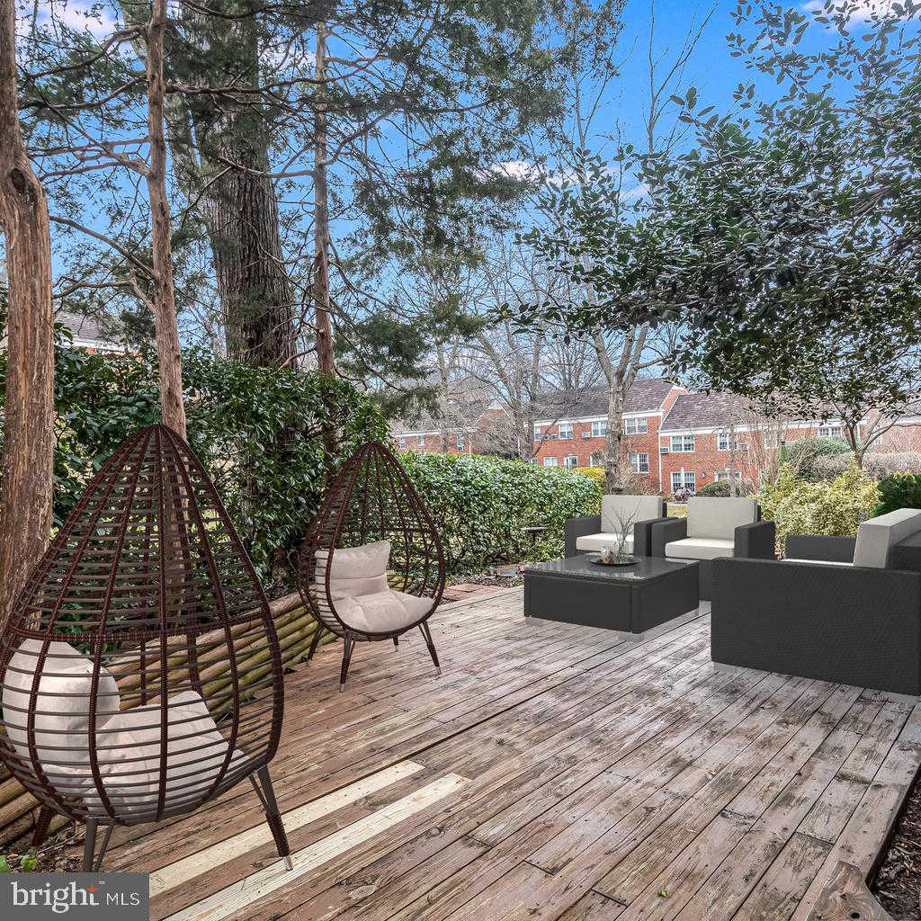 3200 Valley Drive, Alexandria, VA 22302 is now new to the market!