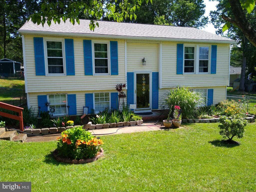 Video Tour  - 11012 Huntington Woods Circle, Fredericksburg, VA 22407