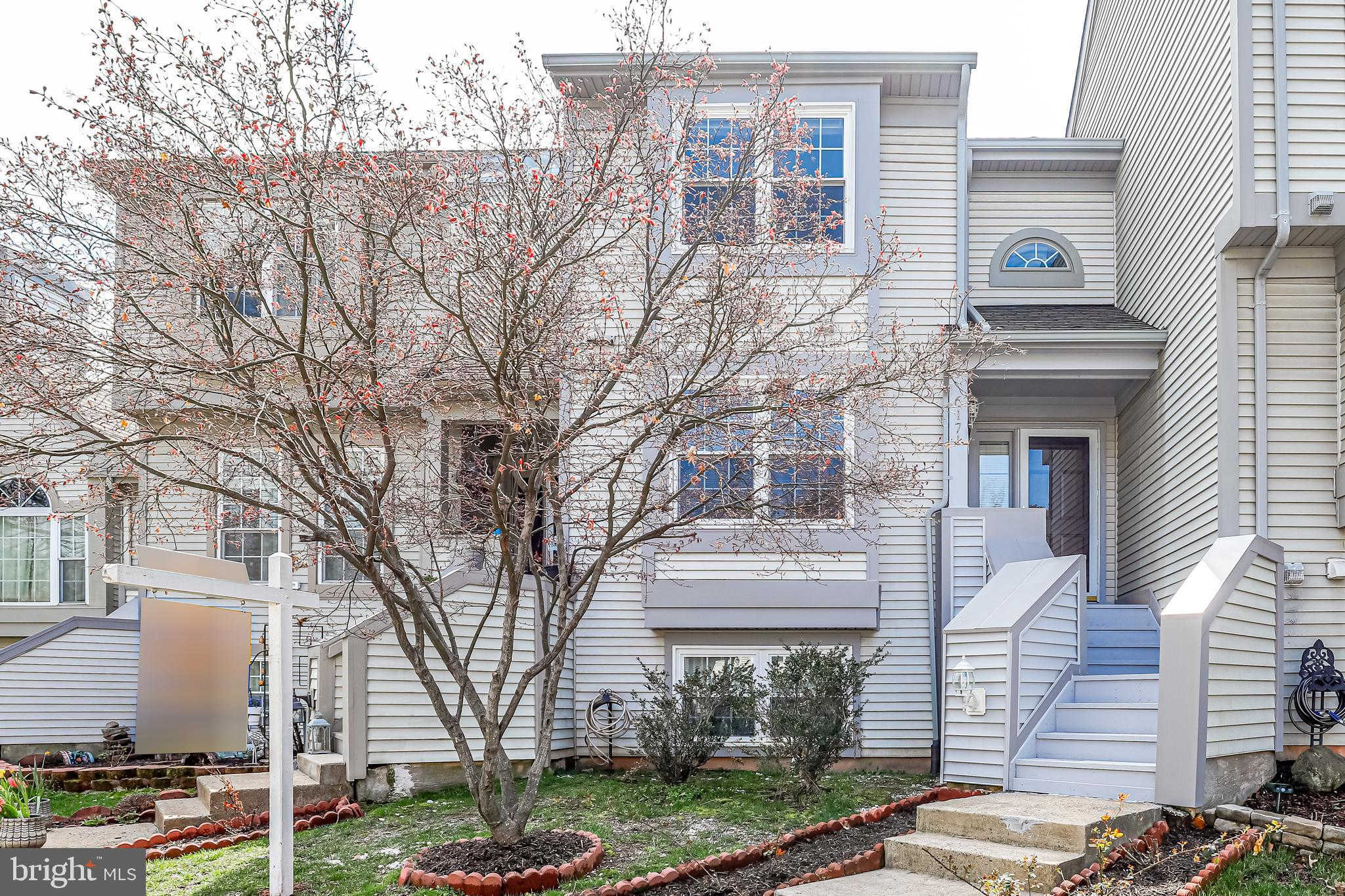 6171 Stonepath Circle, Centreville, VA 20120 is now new to the market!