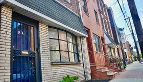 816 S 8th Street, Philadelphia, PA 19147