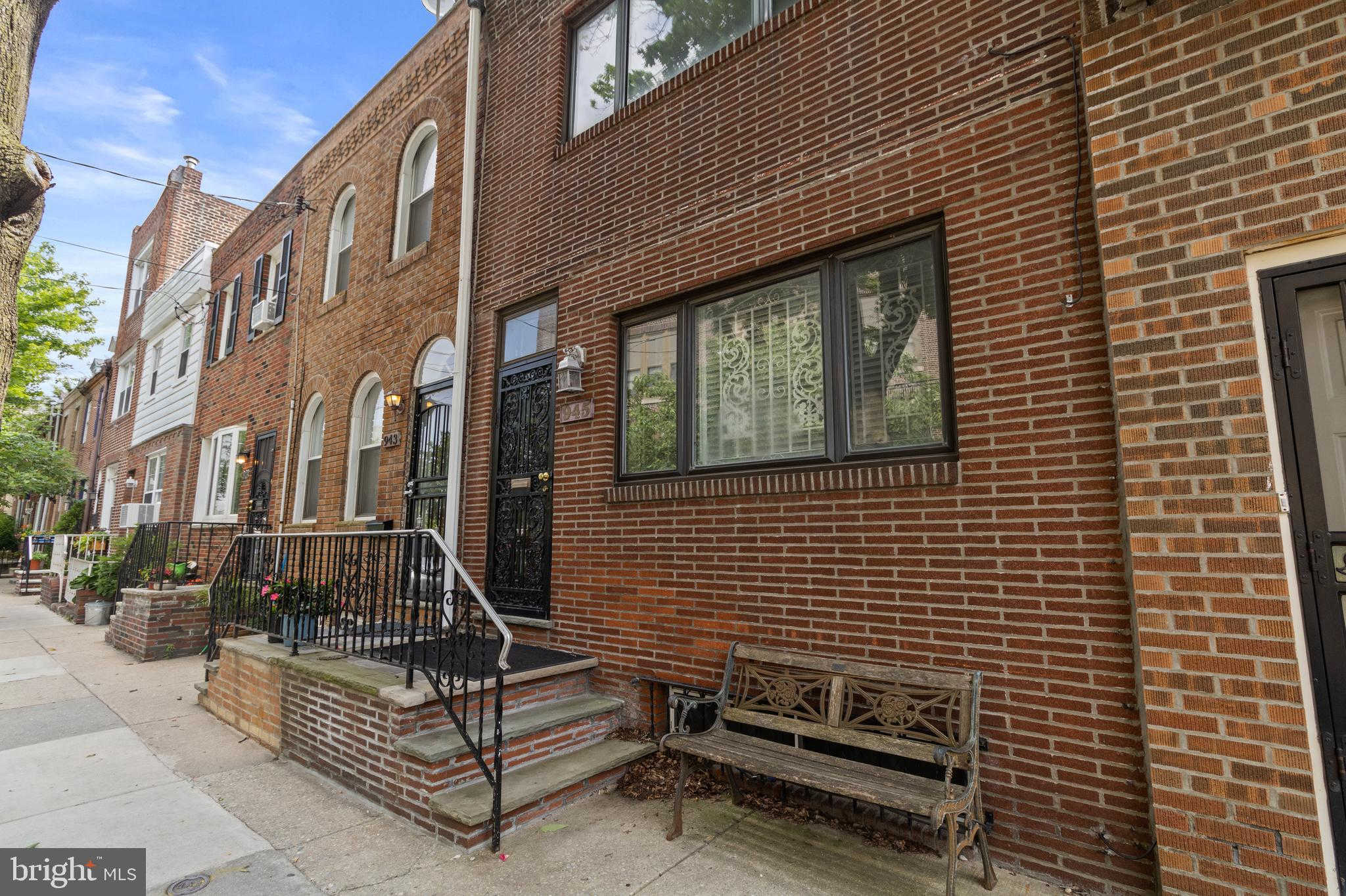 945 S 6TH Street, Philadelphia, PA 19147 is now new to the market!