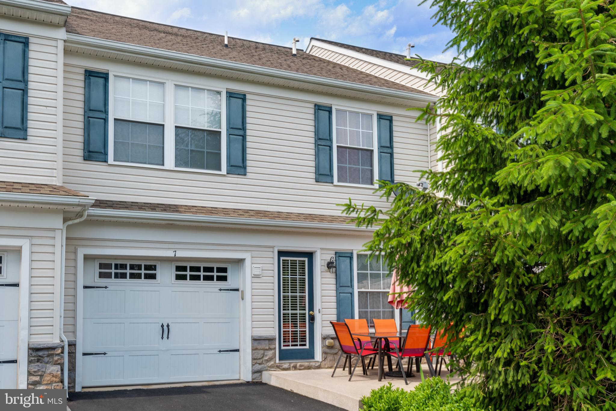 7 Broderick Court, Leola, PA 17540 is now new to the market!