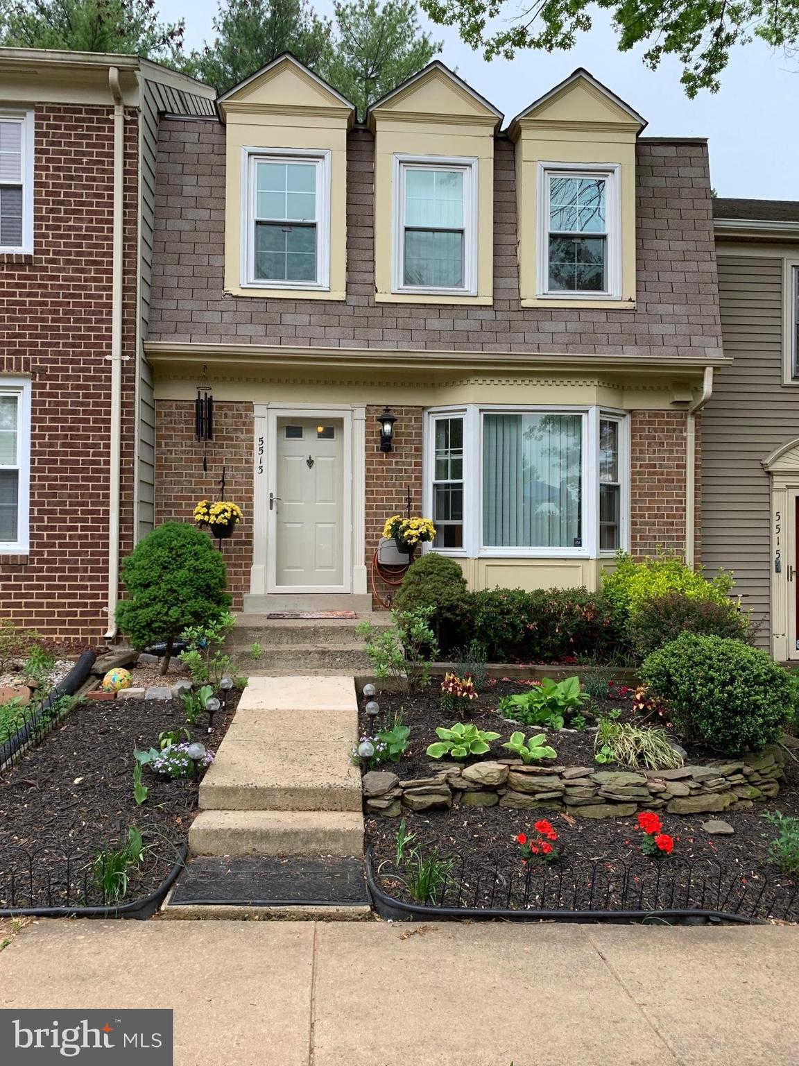 5513 Lakewhite Court, Fairfax, VA 22032 is now new to the market!