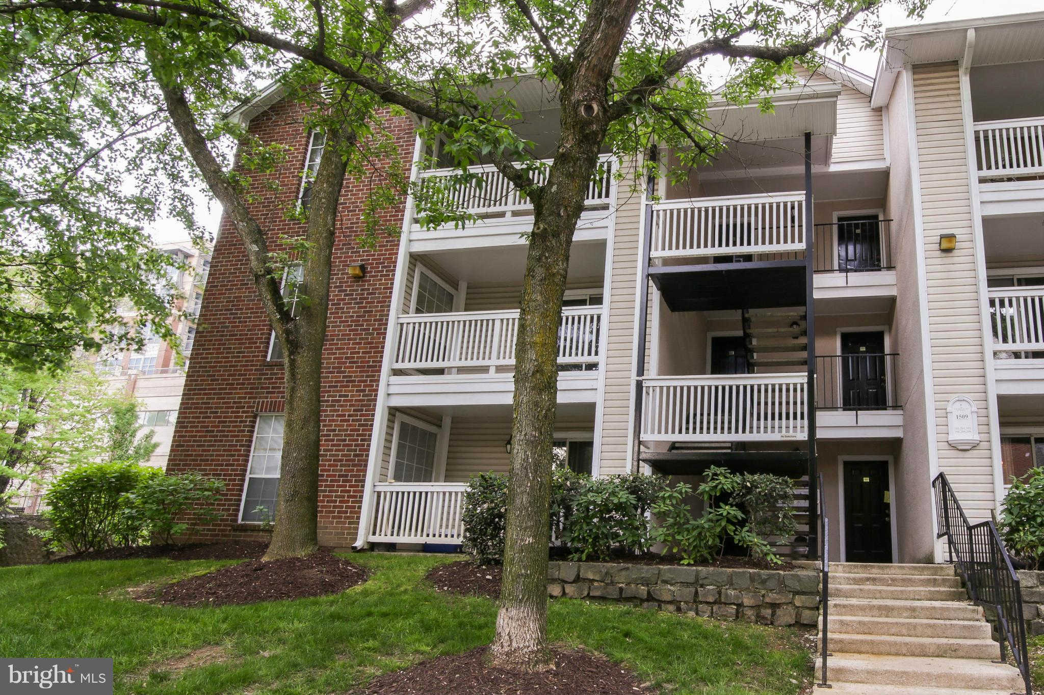 1509 Lincoln Way #201, Mclean, VA 22102 now has a new price of $2,200!