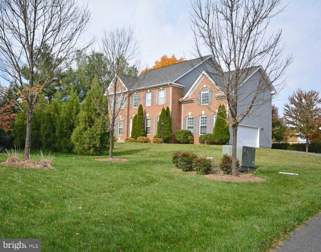 905 Royal Elm Court, Herndon, VA 20170 now has a new price of $3,275!