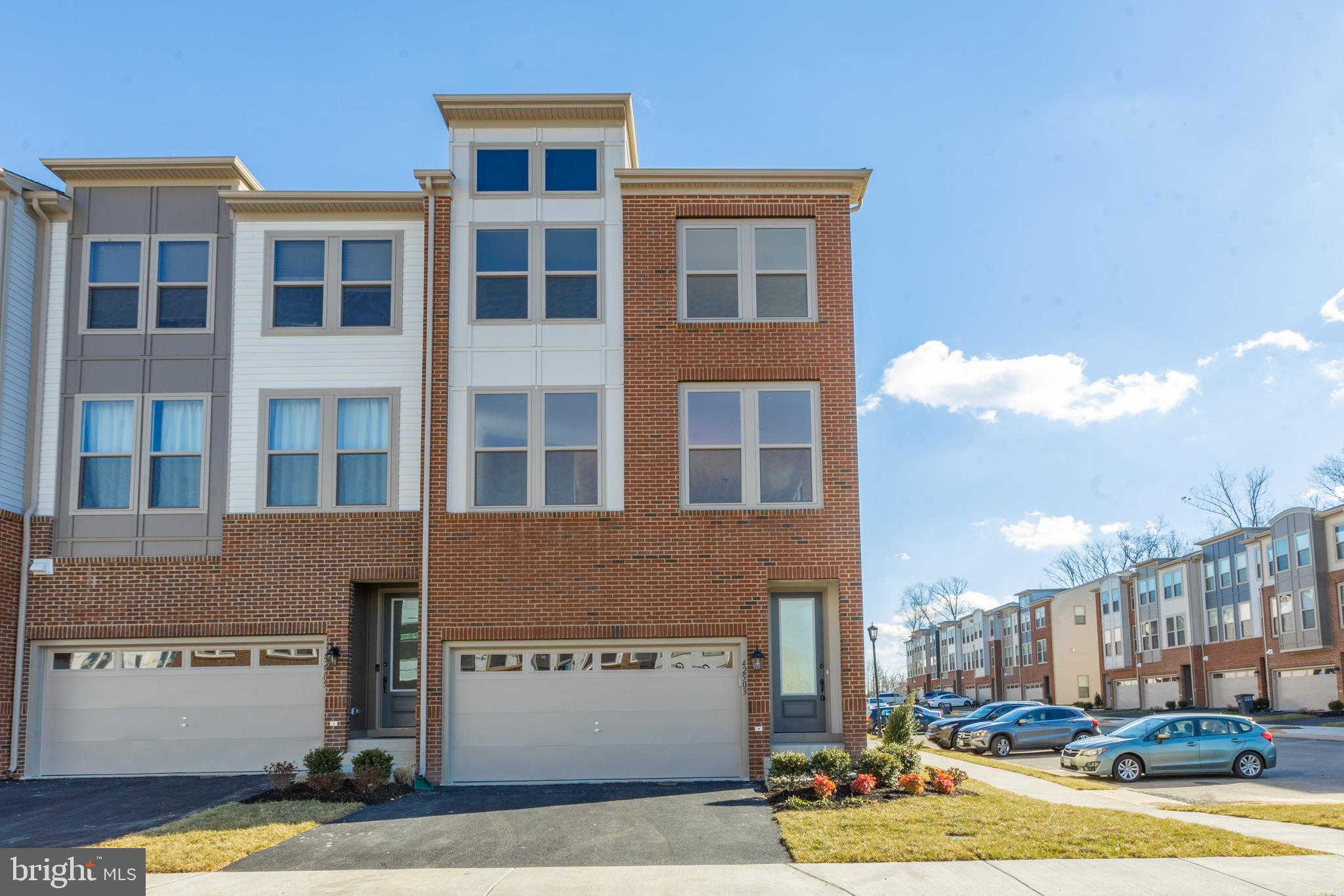 42503 Dogwood Glen Square, Sterling, VA 20166 now has a new price of $2,800!