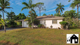 3933 12th St N, Naples, FL 34103