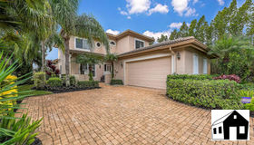6108 Fairway CT, Naples, FL 34110