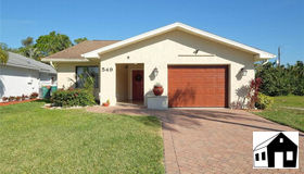 549 100th Ave N, Naples, FL 34108