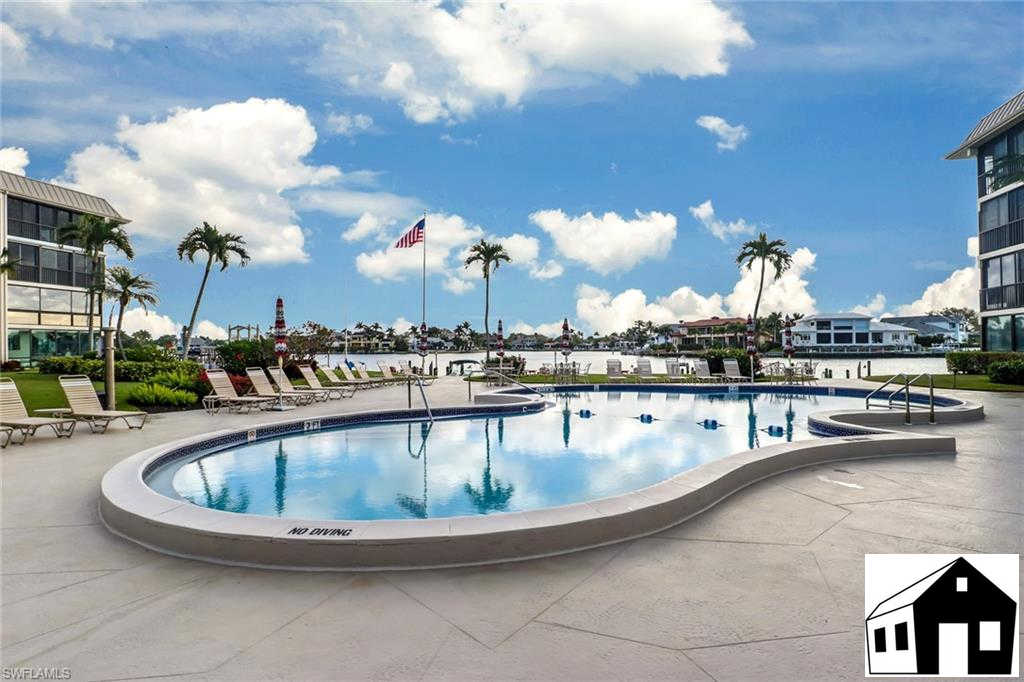 3200 Gulf Shore Blvd N #204, Naples, FL 34103 now has a new price of $550,000!