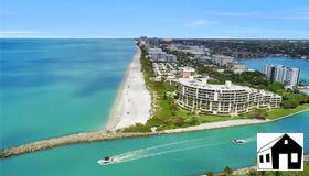 2390 Gulf Shore Blvd N #301, Naples, FL 34103