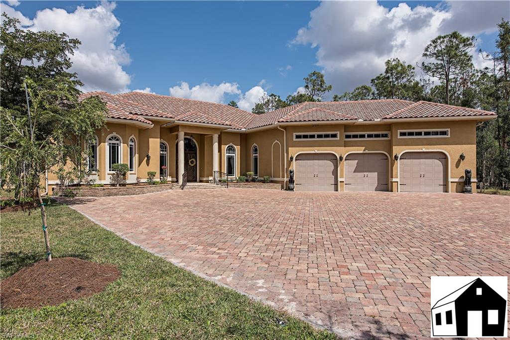 6771 Hunters Rd, Naples, FL 34109 is now new to the market!