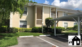645 Squire CT #201, Naples, FL 34104
