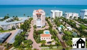 1221 Gulf Shore Blvd N #401, Naples, FL 34102