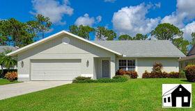 3588 Kent Dr, Naples, FL 34112