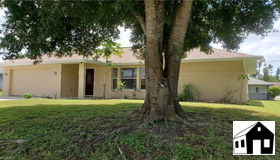 8456 Coral Dr, Fort Myers, FL 33967