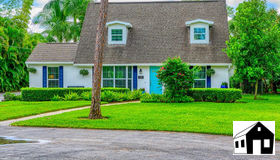 2550 Coach House Ln, Naples, FL 34105