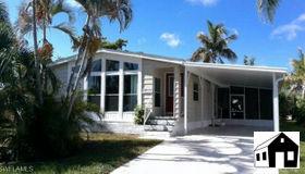 4808 Tahiti Dr, Bonita Springs, FL 34134