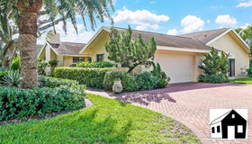 2408 Pinewoods Cir #12, Naples, FL 34105