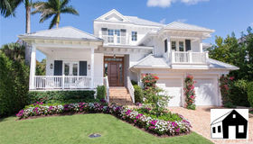 555 14th Ave S, Naples, FL 34102