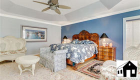 375 4th St S, Naples, FL 34102