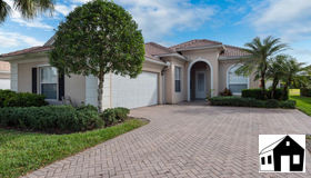 2202 Heydon Cir W, Naples, FL 34120