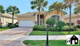 204 Glen Eagle Cir, Naples, FL 34104