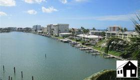 222 Harbour Dr 611, Naples, FL 34103