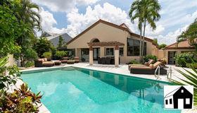 598 Bay Villas Ln 83, Naples, FL 34108