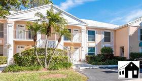 864 Gulf Pavillion Dr 203, Naples, FL 34108