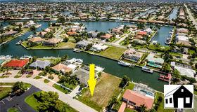 31 Manor Ter, Marco Island, FL 34145