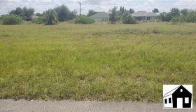 5121 Butte St, Lehigh Acres, FL 33971