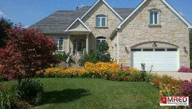 8s060 Vine Street, Hinsdale, IL 60521