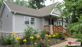 8 Oak Street, Port Barrington, IL 60010