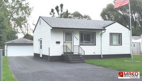 2849 North Pine Street, Waukegan, IL 60087