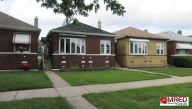 9534 South Escanaba Avenue, Chicago, IL 60617