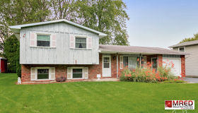 452 Belle Plaine Avenue, Gurnee, IL 60031