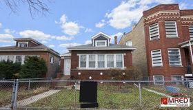 2444 North Keeler Avenue, Chicago, IL 60639