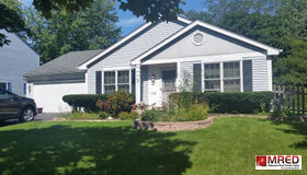 5120 Red Pine Avenue, Gurnee, IL 60031