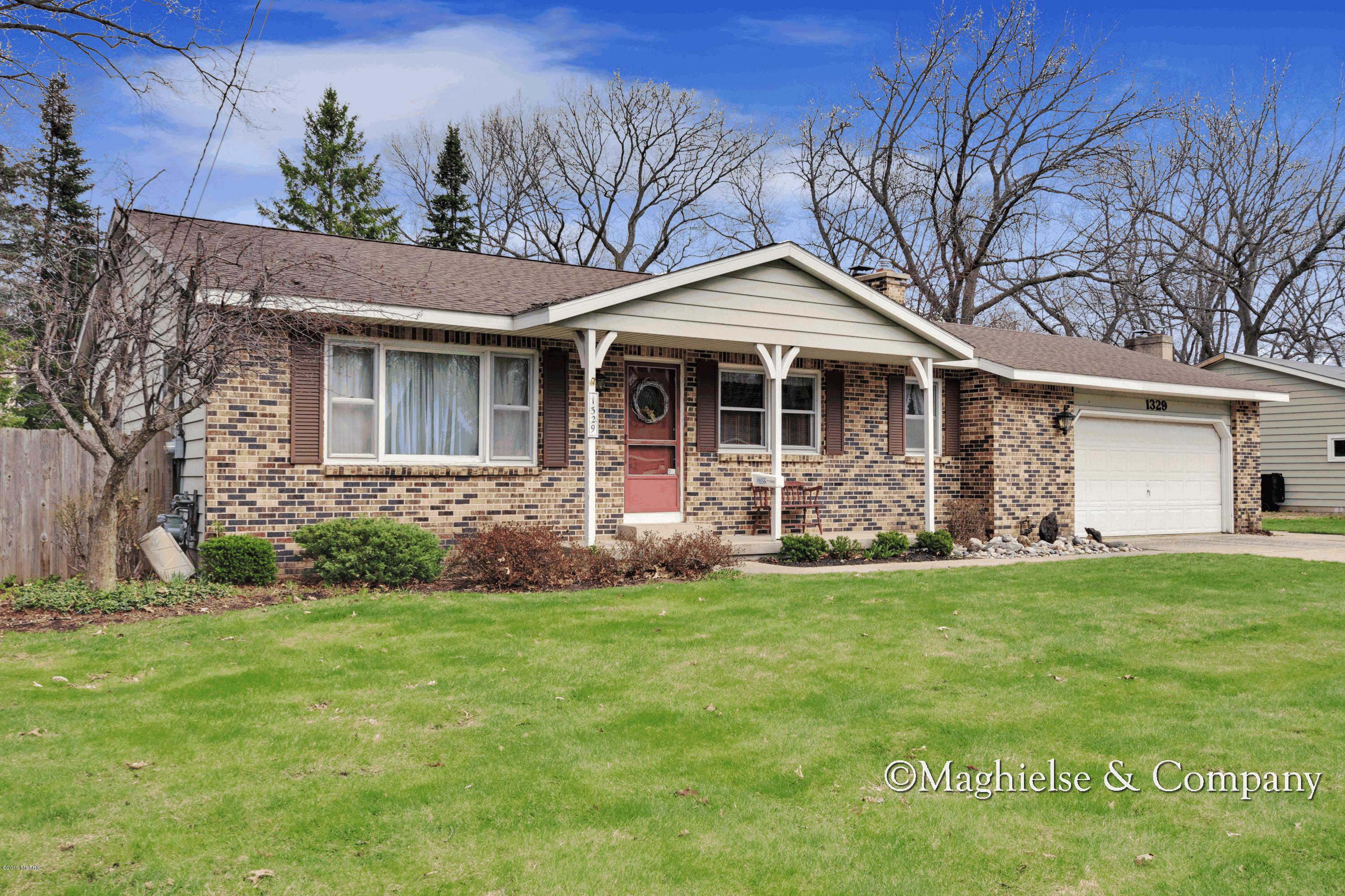 Another Property Sold - 1329 Texas Street NW, Grand Rapids, MI 49544